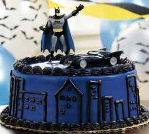 Batman The Dark Knight Birthday Cake and Cupcakes