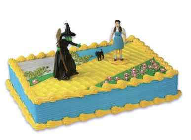 Wizard of Oz Birthday Cake and Cupcakes